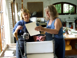 Cathy Naro, Maureen Booth in Maureen's printmaking studio in Granada, Spain