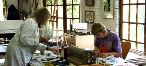 Cathy Naro and Maureen Booth in Maureen's printmaking studio in Granada, Spain